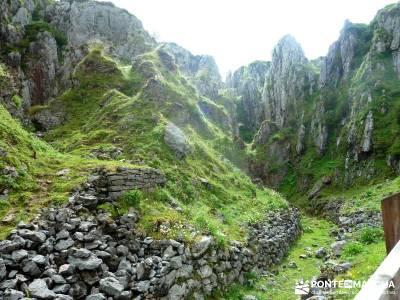 Descenso Sella - Lagos de Covadonga; excursiones sierra madrid; ruta de senderismo;atención exclusi